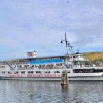 Mount Washington Cruise ship with follage in background